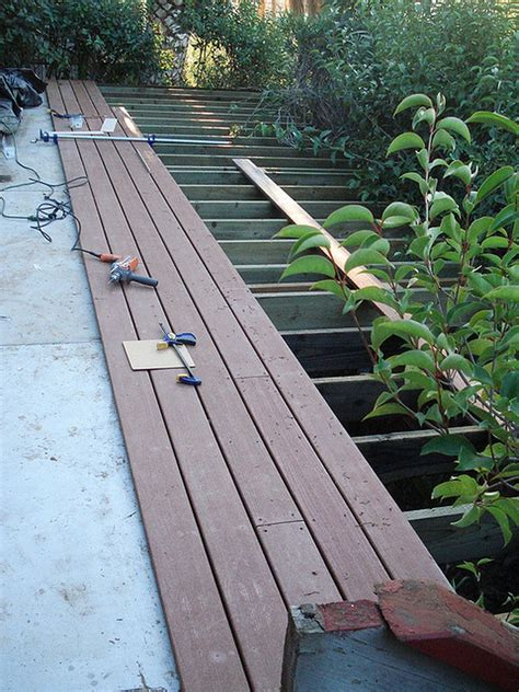 learn    types  decking material