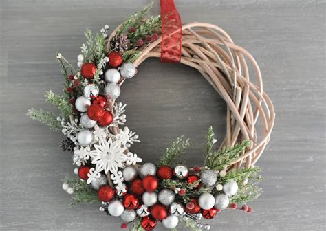 christmas wreath crazy  projects
