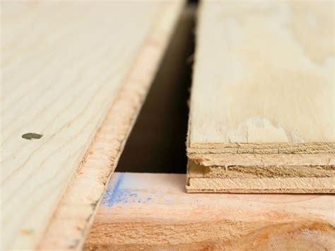 laying a plywood subfloor diy