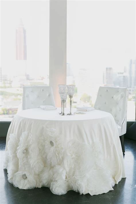 Table Shower Atlanta by Atlanta City Wedding By Park Avenue Events All In White