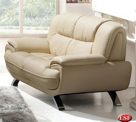 Stylish Living Room Loveseat With Decorative Stitching