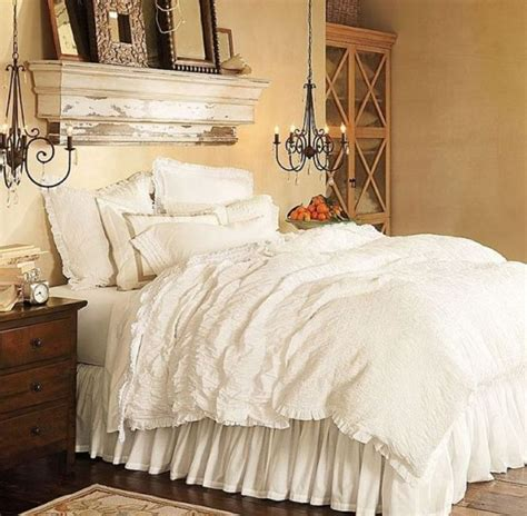 decorate small master bedroom small master bedroom design ideas tips and photos 15095 | small master 13 586d8a245f9b584db332d28e