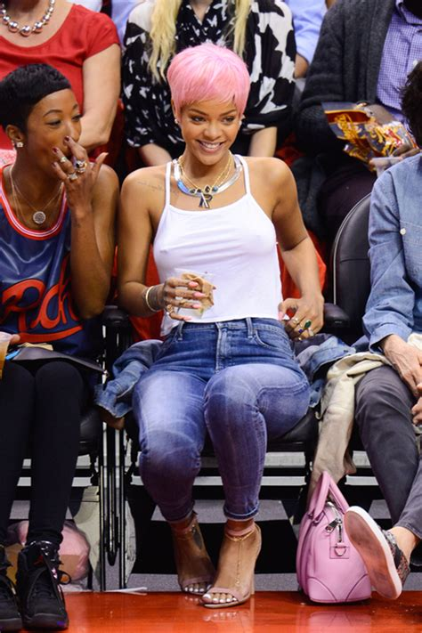 rihanna braless  basketball game clippers thunder game