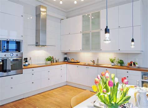 scandinavian kitchen design дизайн белой кухни 30 реальных фото интерьеров 2114