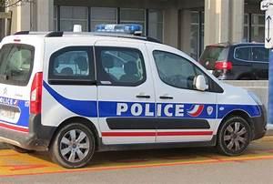 Voiture P : policier gendarmes c 39 est par ici page 20 ~ Gottalentnigeria.com Avis de Voitures