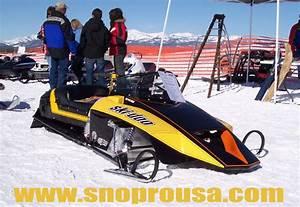 Vintage Snowmobile Round Up - 2011