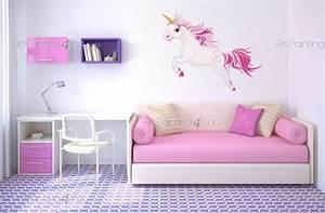Decoration Licorne Chambre : stickers muraux chambre fille licorne vdi1103fr ~ Teatrodelosmanantiales.com Idées de Décoration