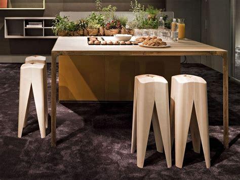sgabelli in legno sgabello per il contract in legno massello idfdesign