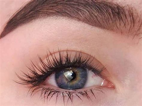 The Pros And Cons Of Having Eyelash Extensions Society19
