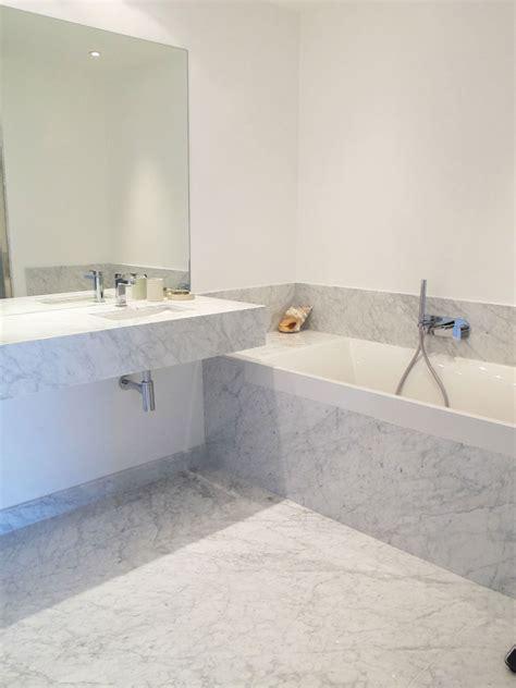 salle de bain en marbre de carrare inside cr 233 ation et 06