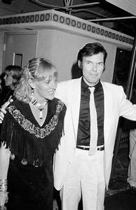 Neil Young, wife Pegi Morton Young to divorce after 36 ...