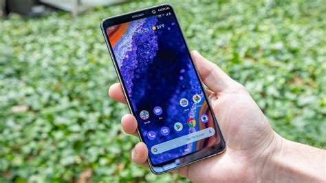 brand    leads  updating smartphone