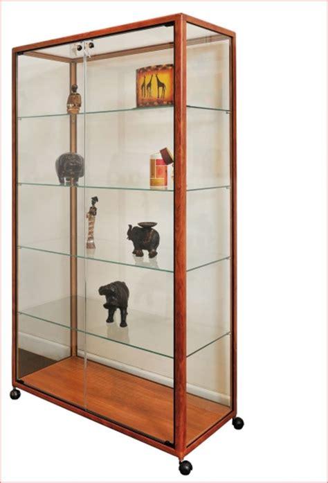 vitrine verre et bois grande vitrine exposition verre et bois sur roulettes lp 10 mobilier de bureau