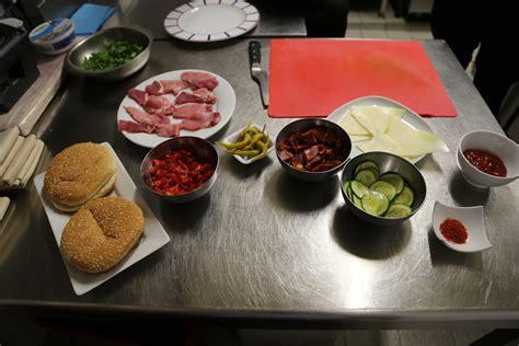 la cuisine de bertrand le burger à la bascou du chef bertrand guéneron
