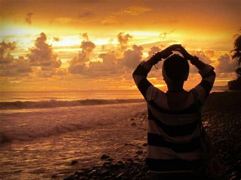 pantai keren  melihat sunset kompasianacom