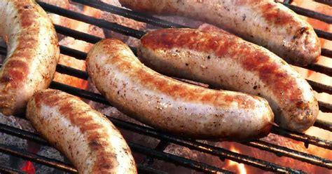 cuisiner des saucisses de strasbourg comment cuire les saucisses boucheries et ferme