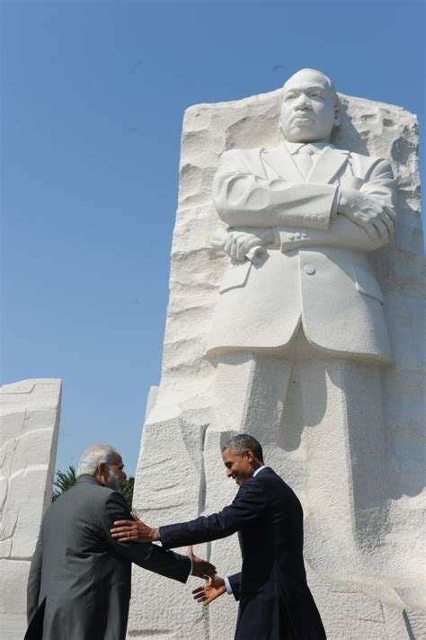 pm visits martin luther king memorial