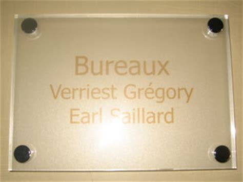 signaletique bureau plaques de signaletiques professionnelles plexiglas de rue