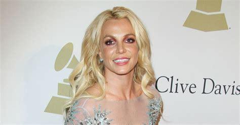 Britney Spears au gala Pre-Grammy à l'hôtel The Beverly ...