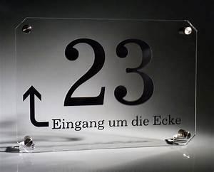 Regal Um Die Ecke : acrylglas hausnummer klar pfeil werbeschild 24 schilder ~ Sanjose-hotels-ca.com Haus und Dekorationen