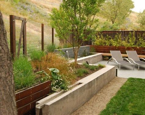 Stützmauer Im Gartenhangsicherung Aus Betondekor Xxx