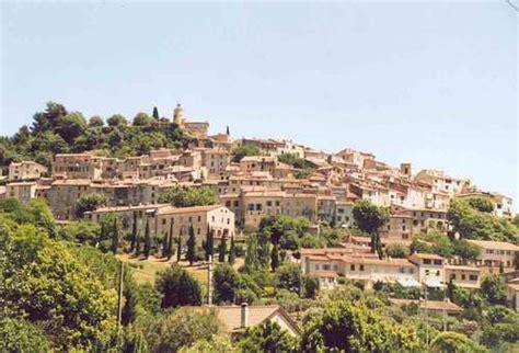faience du var ville de fayence la mairie de fayence et sa commune 83440