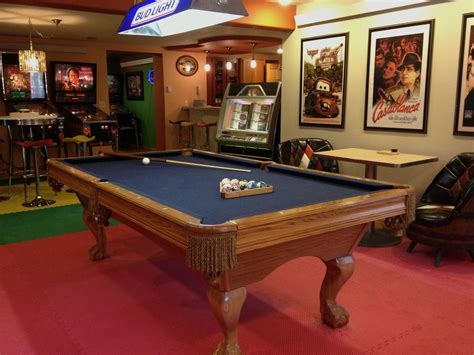 bar box pool table family reunions corporate retreats theatre vrbo