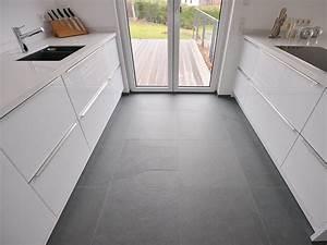 Boden Für Küche : pin von amy abe r auf kitchens pinterest grauer boden boden und grau ~ Sanjose-hotels-ca.com Haus und Dekorationen