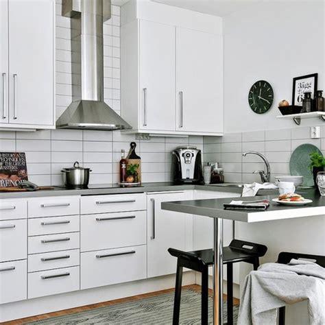 changer les portes de sa cuisine relooker une cuisine 8 astuces ooreka