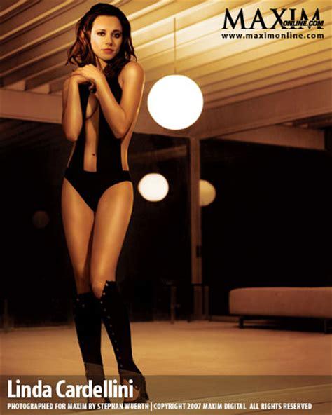 linda cardellini bikini female celebrity pics linda cardellini s hot photos