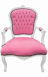 Fauteuil Velours Rose : fauteuil baroque de style louis xv velours rose et bois blanc ~ Teatrodelosmanantiales.com Idées de Décoration