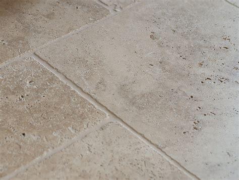 carrelage naturelle travertin carrelage en travertin stonenaturelle le choix de l 233 l 233 gance