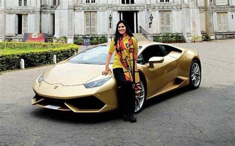 year  homemaker    indian woman  buy