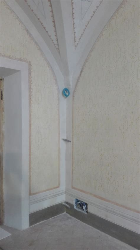 tappezzeria firenze restauro pareti a finta tappezzeria gialla firenze