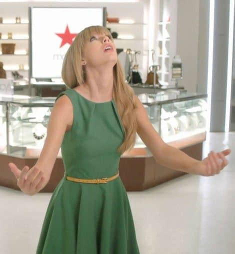 Taylor Swift Wears Modcloth For The Latest Macy's Commercial
