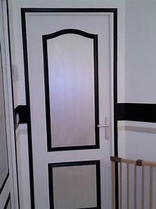 Couloir etage photo page 2 for Peindre porte 2 couleurs 1 couloir etage photo page 2