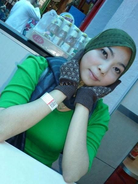 gadis hijab bugil fotomemek download