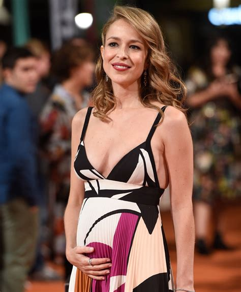 Silvia Abascal luce embarazo sorpresa en la alfombra del ...