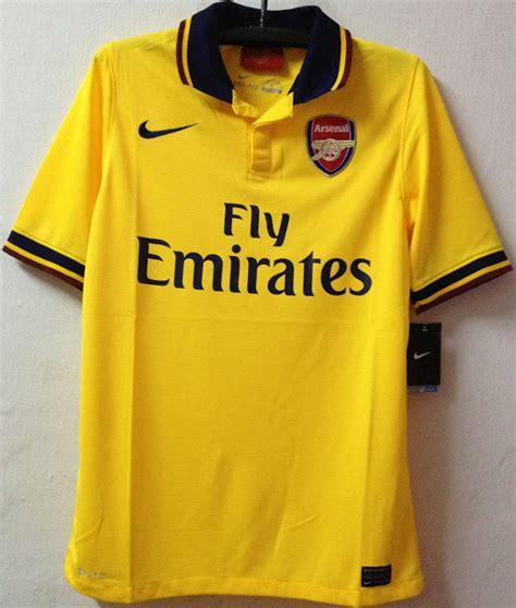 Kaufe arsenal trikot günstig in deutschlands bestem fußballshop. Arsenal 13/14 Auswärtstrikot Enthüllt - Nur Fussball