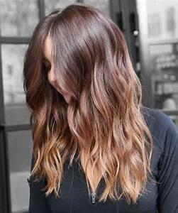 Balayage Cheveux Frisés : meche caramel et blond sur cheveux chatain bruno pele energie renouvelable ~ Farleysfitness.com Idées de Décoration