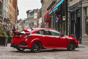 Honda Type R 2018 : 2018 honda civic type r gets small price bump motor trend ~ Medecine-chirurgie-esthetiques.com Avis de Voitures