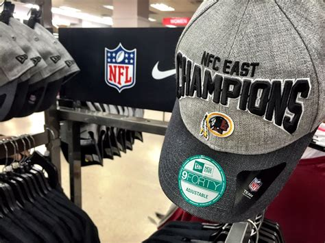 redskins washington champions division merchandise gear team wtop stores tuesday playoffs modells print