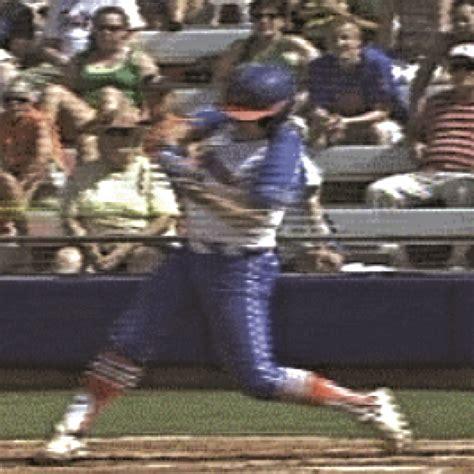 softball swing    baseball swing
