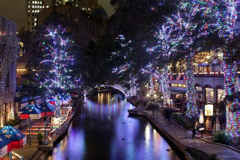 san antonio riverwalk lights 2011