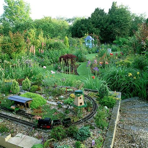 garden models model railway adds a fun touch housetohome co uk