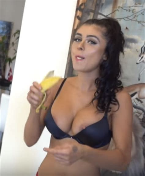 vitalyzdtv girlfriend noel leon nipple slip 24 pics sexy youtubers