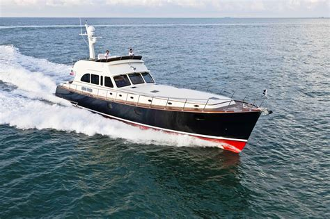 Motor Boats by Looking For Vintage Cabin Cruiser Boat For Sale Bos Boat