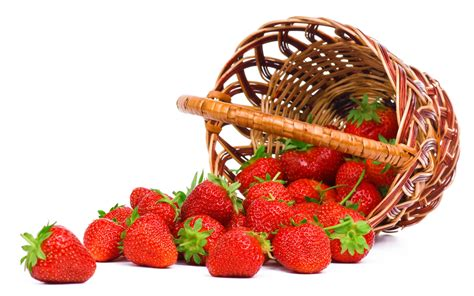 basket  strawberries wallpapers high quality