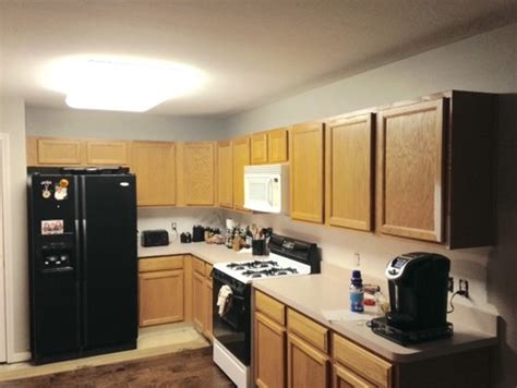 kitchen cabinets without crown molding kitchen cabinets crown molding yes or no 8190