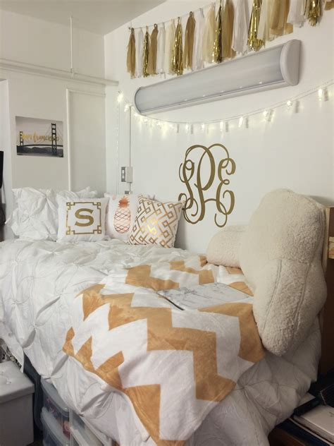 Navy White And Gold Bedroom Ideas 7 Bedroom Ideas